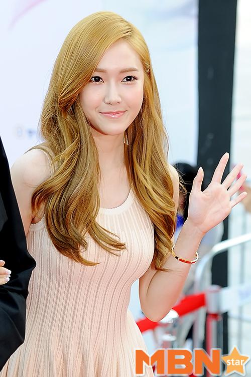 Jessica潔西卡 金髮