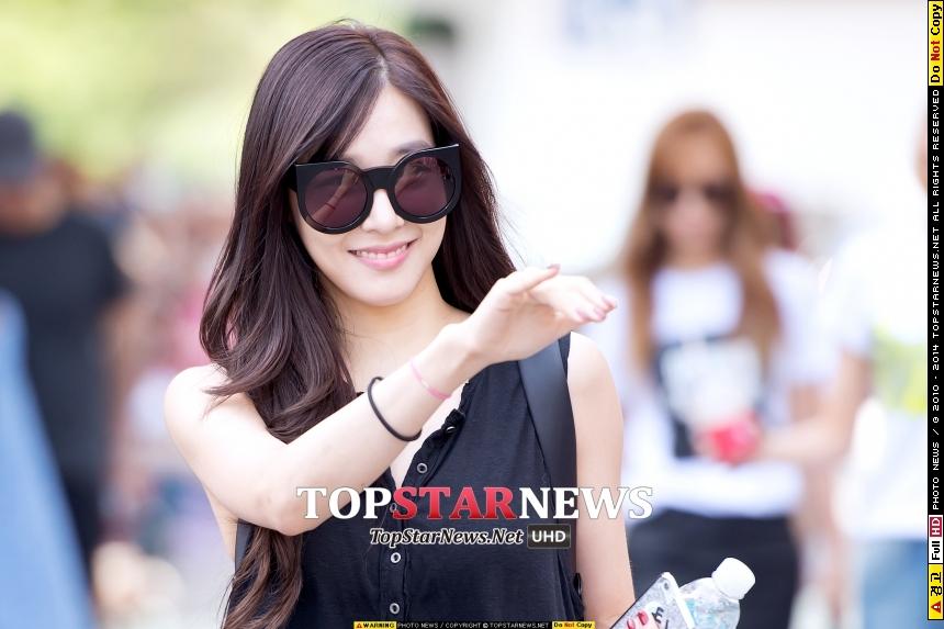 完全是開簽名會的氣勢惹??  女神Tiffany♡_♡