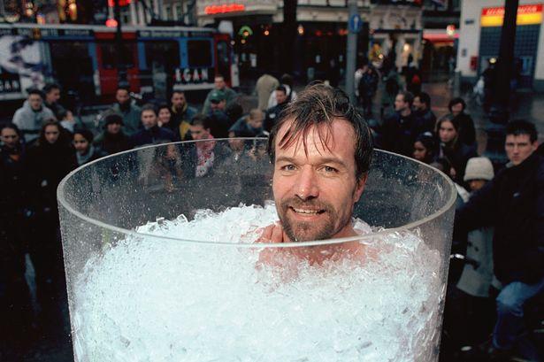 7. 泡在冰桶中堅持最久的人: 72分 ▶挑戰者 : Wim Hof, 荷蘭 別名「冰人」.....冷~冷~冷~