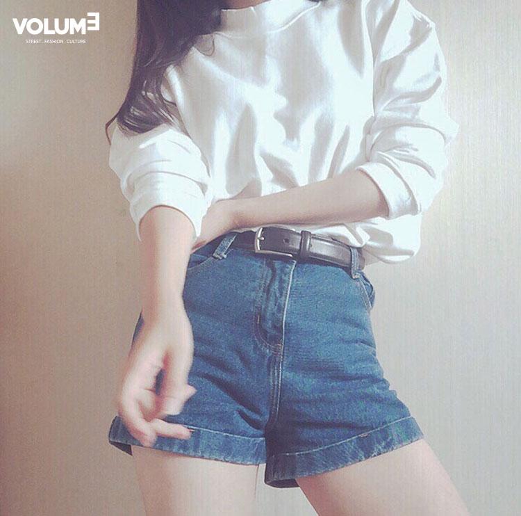 ☆ 運動T + 牛仔短褲 皮帶是亮點~(看得出來是有精心打扮的喲)