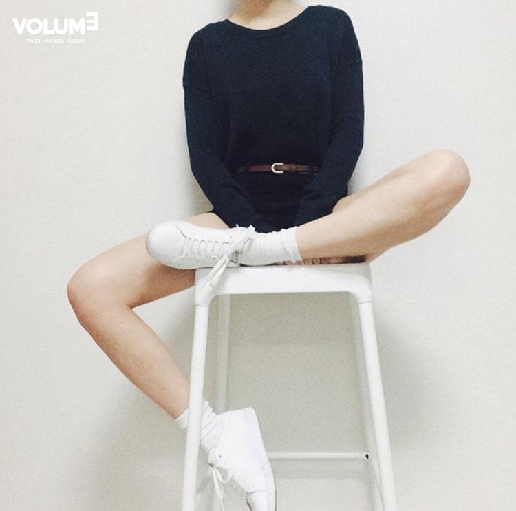 ❀ 連身T恤 + 白色板鞋 無論什麼風格都能完美搭配的白鞋,一定要收藏喲!