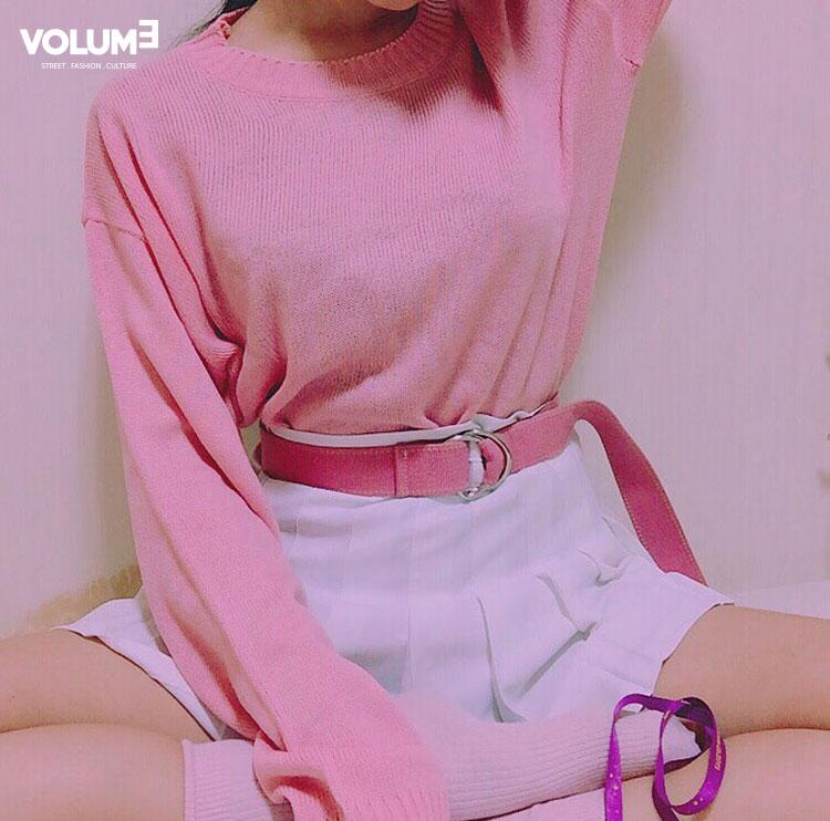 ☆ 柔和的粉紅色 + 白色牛仔短褲 色彩搭配溫暖明亮,粉紅追隨者不可或缺喲~. :-)