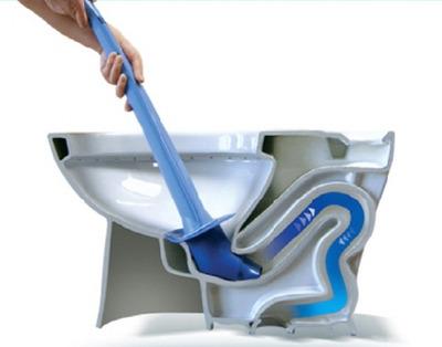 2. 馬桶堵了,只要滴幾滴洗髮精,過30分鐘通一下就好了。
