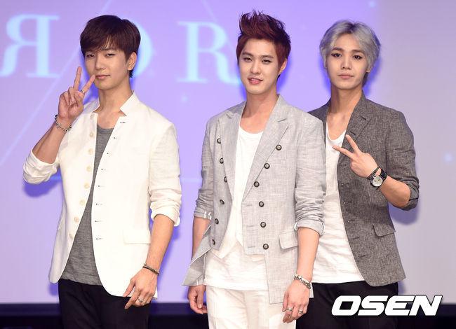 剩下的3人昇昊、G.O、Mir曾經在今年6月重回樂壇,主打歌《鏡子》就曾經被說是否暗指2名成員背叛他們離去~