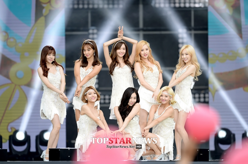 之後2007年出道的少女時代,相隔10年(S.E.S),迎來SM娛樂製造女子天團的美名