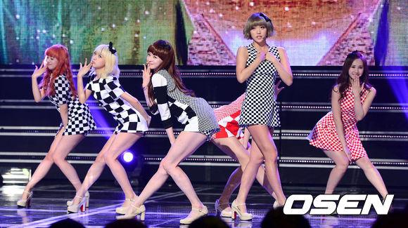 2012年,Hello Venus是由Pledis娛樂與Fantagio兩個公司一起推出的6人女團