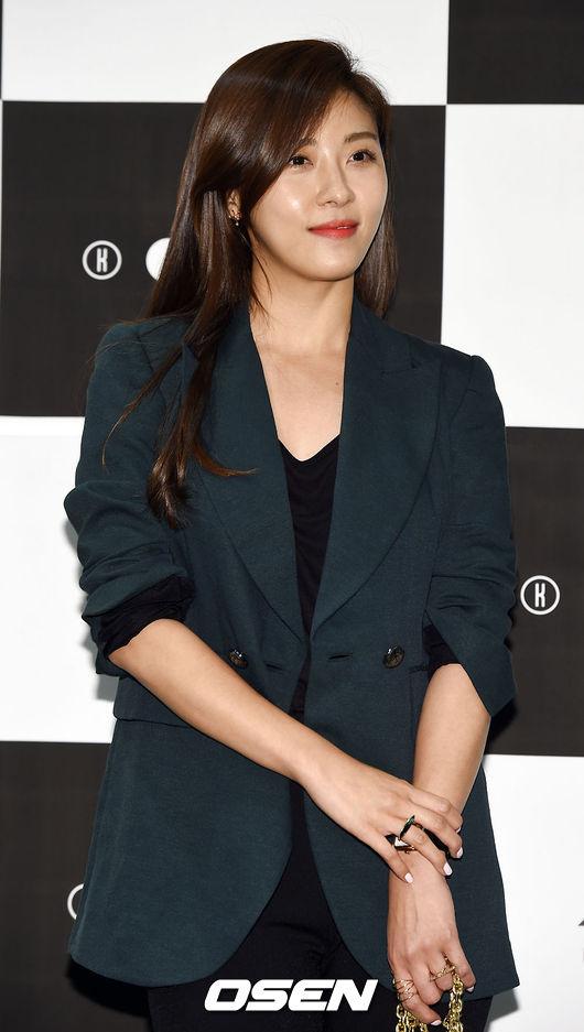 No.15 演員 河智苑 和美麗的外貌衝突的,她經常演出相對強悍的動作戲,動作戲女演員真的沒有很多呢~