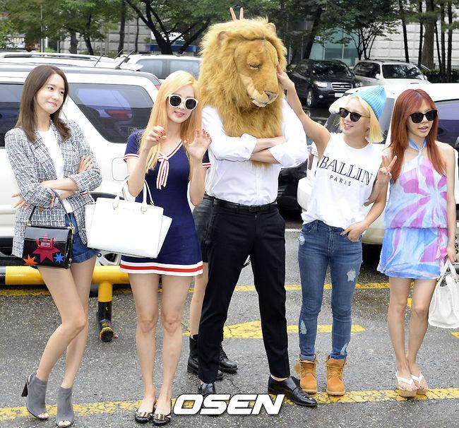更不用說韓國SONE(少女時代的粉絲名稱)超給力,截自昨天(9/13)的《人氣歌謠》,這次專輯總共獲得19個音樂節目的冠軍寶座!