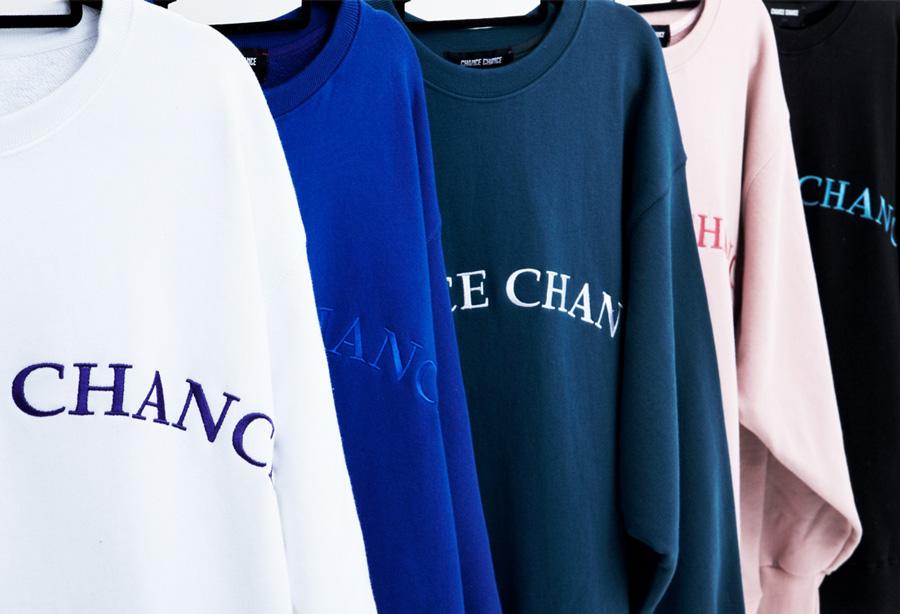 ChanceChance的代名詞:衛衣走單色簡潔路線,只有正面印了弧形的品牌名字