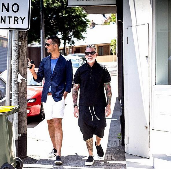 夏季五分褲搭配POLO衫或工裝襯衫