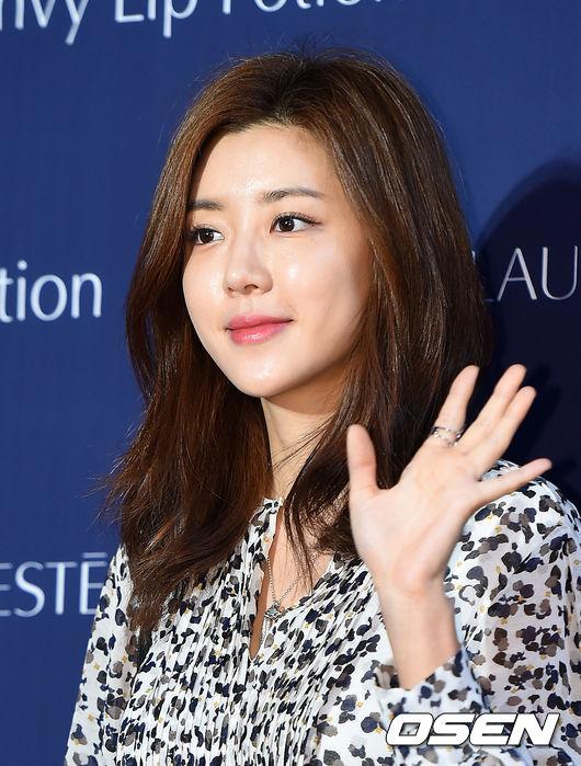 Se7en的前女友朴韓星也到場了!把頭髮留長的她~依舊童顏童顏啊
