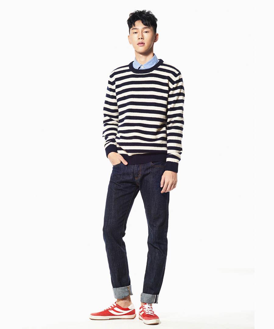 反過來如果毛衣袖太長或者是縮口袖子,就不要露出裡面的襯衫袖口了,同時襯衫下面也要塞進褲子裡,尤其是毛衣顏色跟褲子不是同一色系,襯衫就更要塞進褲子裡了.,不然顏色太多,會讓整體造型顯得很混亂!