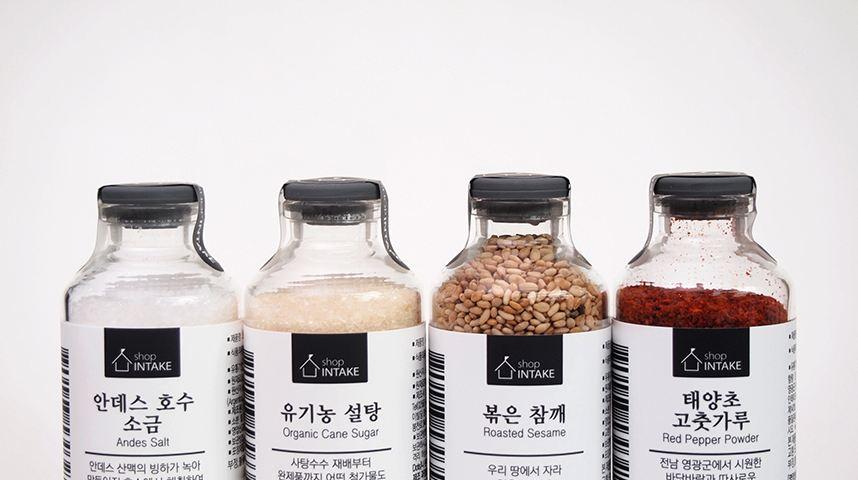 給大家推薦一些小包裝佐料....(小編貼心) 辣椒醬、芝麻、糖、鹽等做韓食的基本佐料,在intake都有販賣哦~