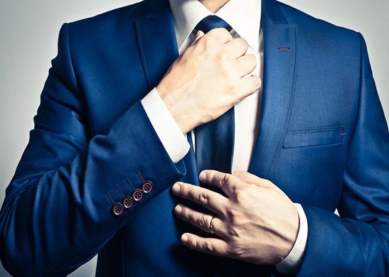 #5. 解開領帶 領帶繫得過緊會增加眼球壓力,長時間下來易造成老花眼,所以繫領帶時候一定不要太緊,回到家後第一時間解開領帶。