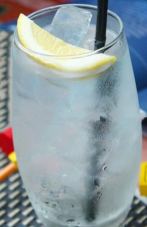 Q6)喝碳酸水真的有助於消化嗎?