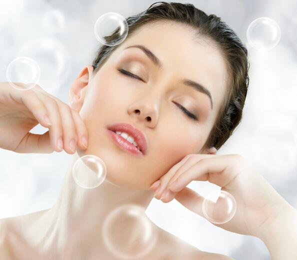 Q7)碳酸水真的對皮膚好嗎? 很多化妝品裡也開始含有碳酸水成分,碳酸水到底會對皮膚有怎樣的影響呢?