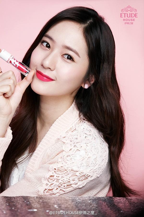 韓網友紛紛說:果然SM家顏質夠厲害!化妝品品牌都要全包了~