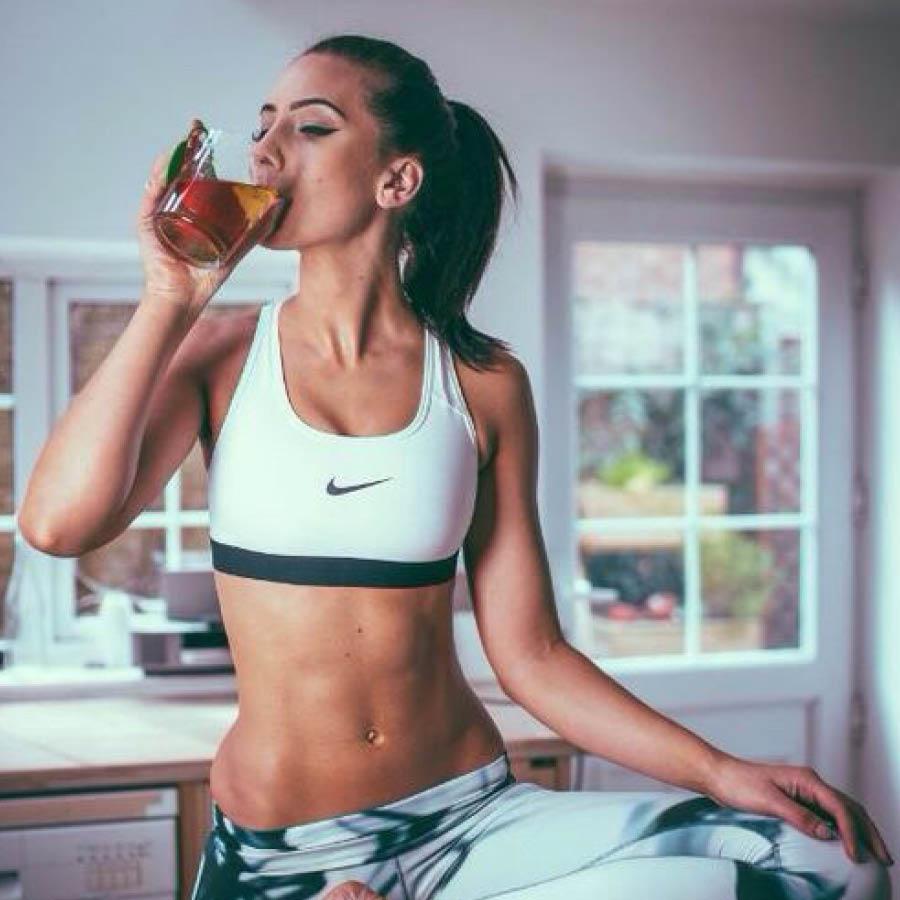 接下來再跟大家說一下體驗結果,早上吃飯之前喝一大杯,飽腹感很明顯,幾乎不用再吃任何早點了,而且還有助於排便。
