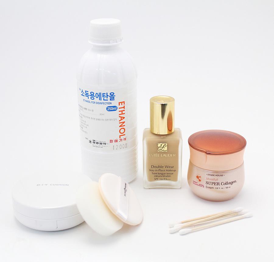 首先要準備  消毒用酒精和保濕乳液、適合自己膚質的粉底液 以及氣墊粉底液的盒子還有棉花棒