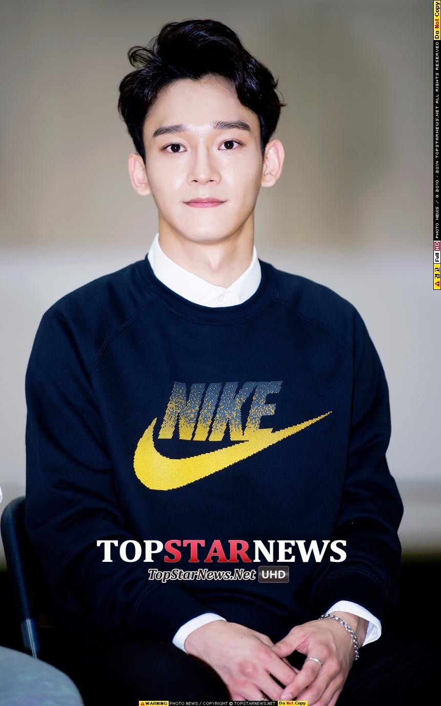 TOP 2: EXO 9月有成員Chen的生日~而10月份EXO在新巨蛋的演唱會,在9月份開賣,網站都可以當機了,搜尋榜怎麼可能不搜翻~大家應該都在找如何能買到票的方法吧XDD