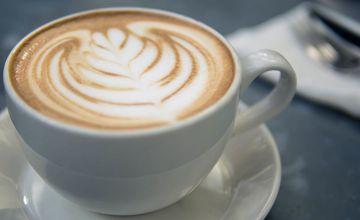 最適合這個季節的莫過於有著誘人綿密奶泡的咖啡拿鐵 一口喝下 彷彿連心也溫暖了起來!
