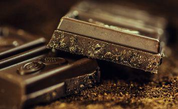 另外也可以在泡咖啡時加入巧克力粉 這樣一杯香甜的摩卡咖啡就在隨時等你了!