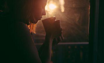 天氣逐漸轉涼 有秋天氣息的下午 邊喝茶邊享受不出門的浪漫吧!