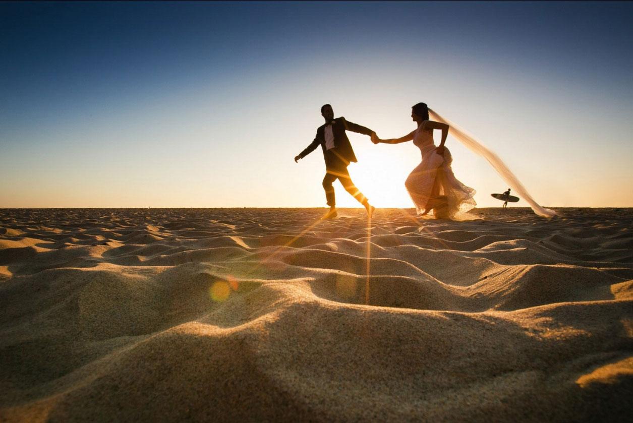 10. 拉古娜海灘·美國加州 by Alison Callaway 我有一個夢,想和你手拉手在海邊奔跑,沙粒沾滿赤裸的腳,陽光勾勒微笑的臉。