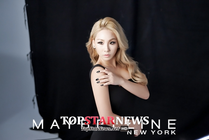 那到底CL在美國的立基是什麼?其實就是她拒絕整形的東方美,將可能是她有別於其他美國女歌手的最大特色!以前被嘲笑的丹鳳眼、小朝天鼻,甚至不纖細的體態,在美國市場看來卻是非常有魅力的長相!