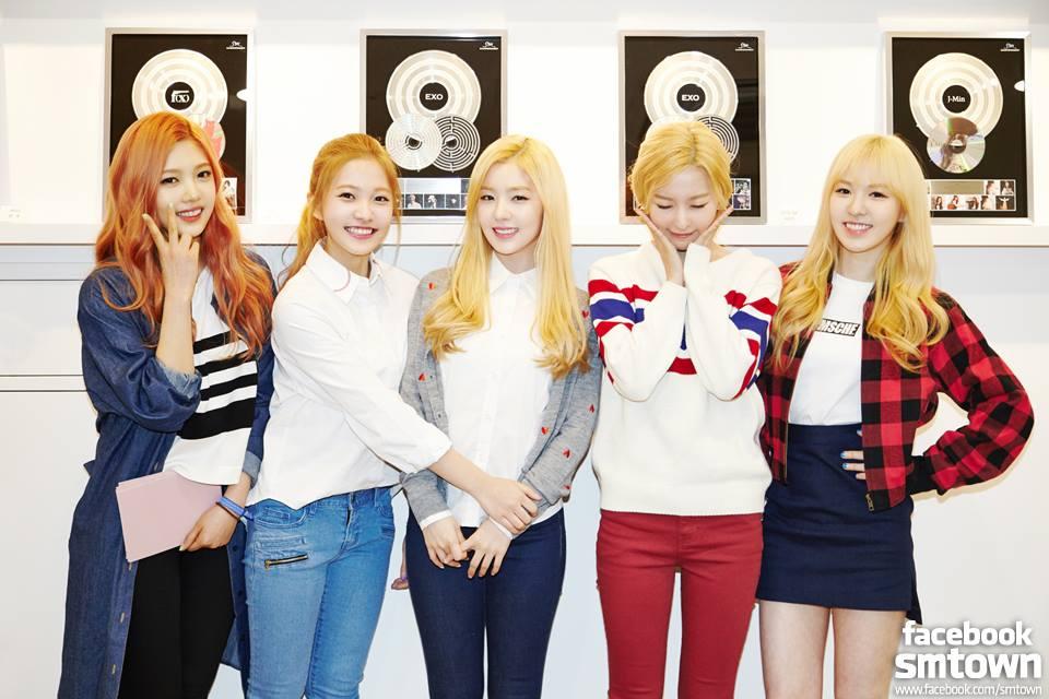 去年才剛出道的「Red Velvet」也符合這個「主唱公式」喔!
