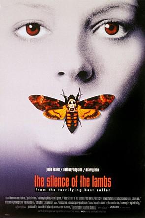 #1 <沉默的羔羊>(1991) : 野牛比爾(泰德·李凡飾) 由於童年時遭到過繼母的虐待,從此產生了一種變態心理,他去過三家變性手術中心,但是遭到了拒絕,後來成為變態殺人狂魔,有變裝癖,專剝女性的皮。