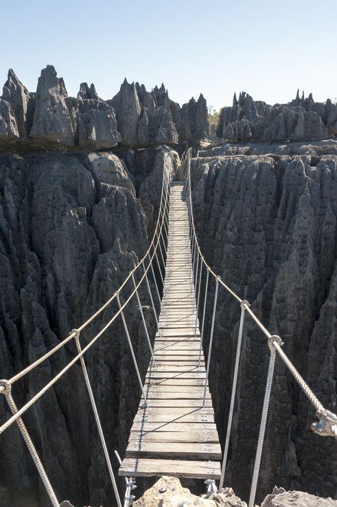 等待我們的是一座恐怖的大橋.... (腿在不停的顫抖)