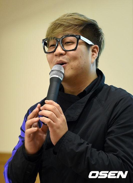 這首歌的作曲是韓國知名製作人「新沙洞老虎」,他表示,這首歌本來是要給solo女歌手Jessi唱的欸.....