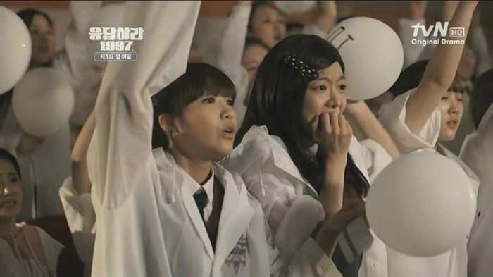 ★ 韓飯(한국팬) vs 海外飯(해외팬)★  韓飯的意思其實非常簡單,就是「國籍是韓國的粉絲」,因為「粉絲(Fan)」的發音跟「飯」很像,所以就會稱韓國歌迷為「韓飯」。