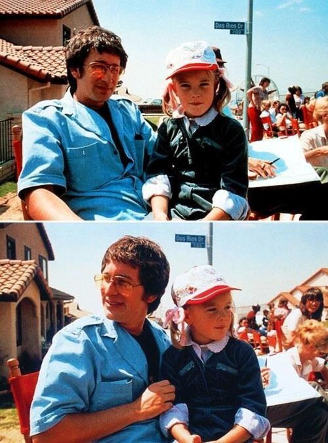 1981年, 在<E.T.外星人>拍攝外景地的導演史蒂芬·史匹伯和茱兒·芭莉摩  【<E.T.外星人>是一部1982年的美國科幻電影,講述了名叫埃利奧特的內向男孩與被困在地球的善良外星人成為朋友的故事。】