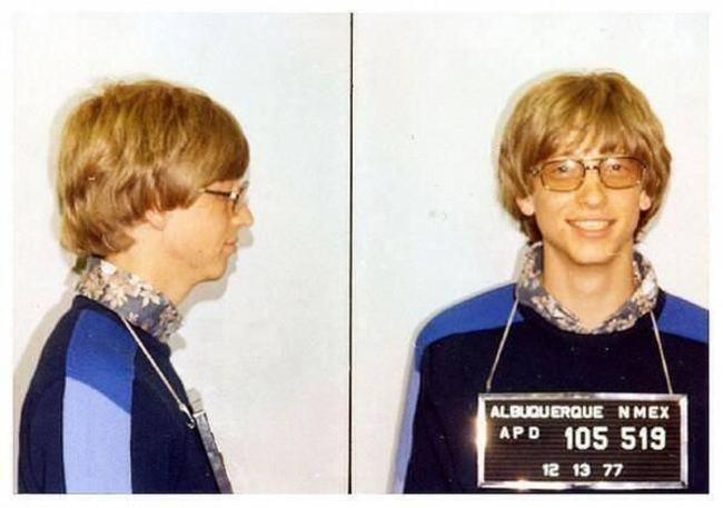 1977年, 因無證駕駛拍攝大頭照的比爾·蓋茨
