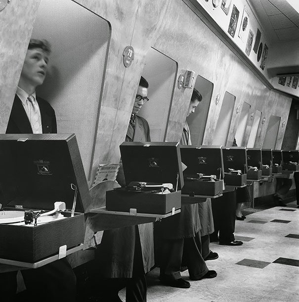 1955年,倫敦某個音像店