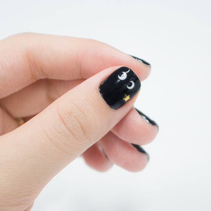 也別忘了在指甲上貼上一個你喜歡的圖案 小心機讓你的美更獨特