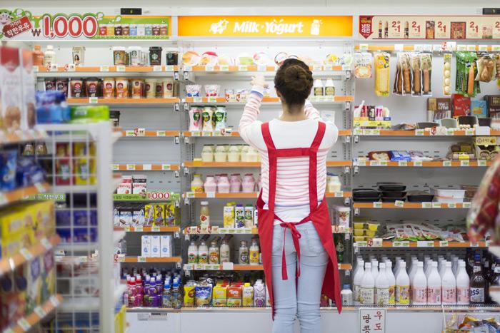最近韓國旅行 除了必逛的樂天商場 便利商店也成了許多人的掃貨新地點