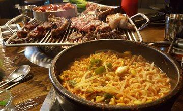 還在苦惱怎麼把韓國美味打包回家嗎? 快把台灣也買得到的辛拉麵從購物清單上刪除 逛一次便利商店滿足你送禮 自用的所有願望!