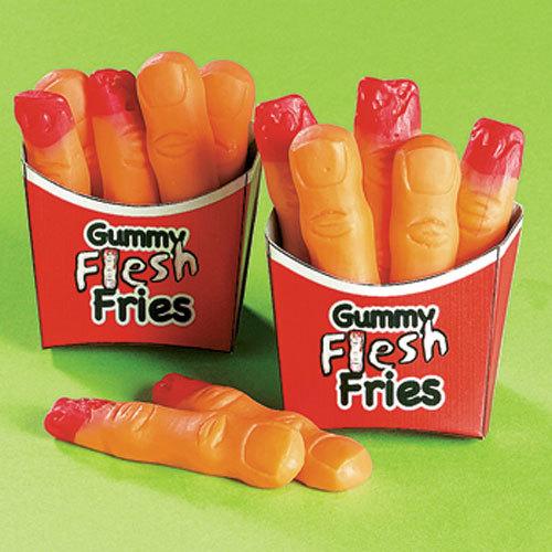 7. 遠看像是薯條的這款糖果 近看卻很驚嚇 連手指紋路都有的這款手指軟糖卻是平易近人的西瓜味 如果有咬手指習慣的人 或許可以考慮一下