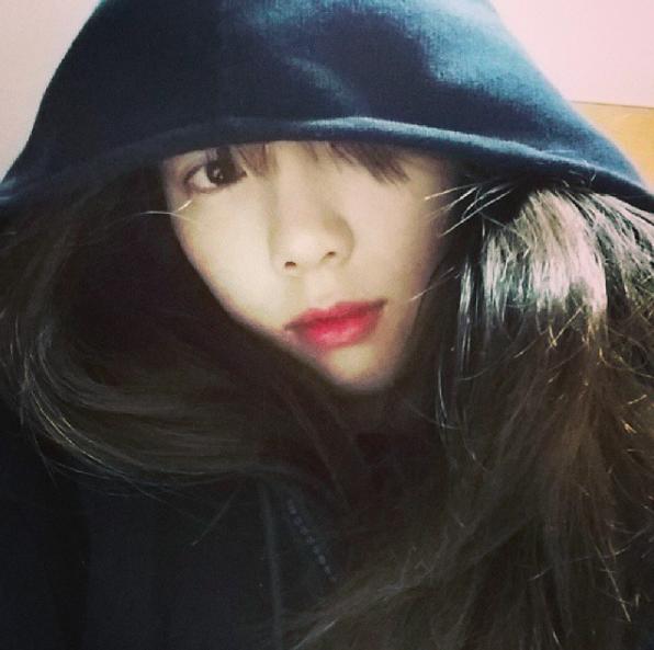 當然太妍還是有一張單獨的自拍照啦!