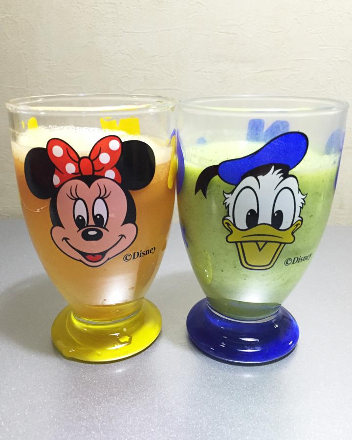 就這樣完成的排毒果汁~ 熊姐姐我個人比較喜歡 紅蘿蔔與蘋果的組合