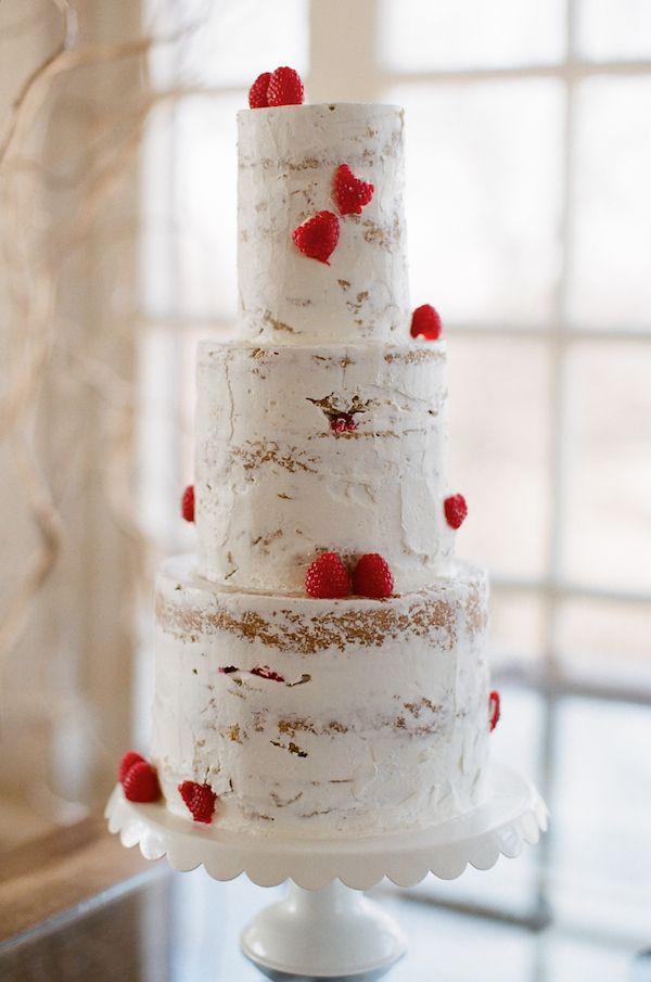 草莓真的放在任何蛋糕都適合.... 光是放草莓也好美呀....ㅠ^ㅠ