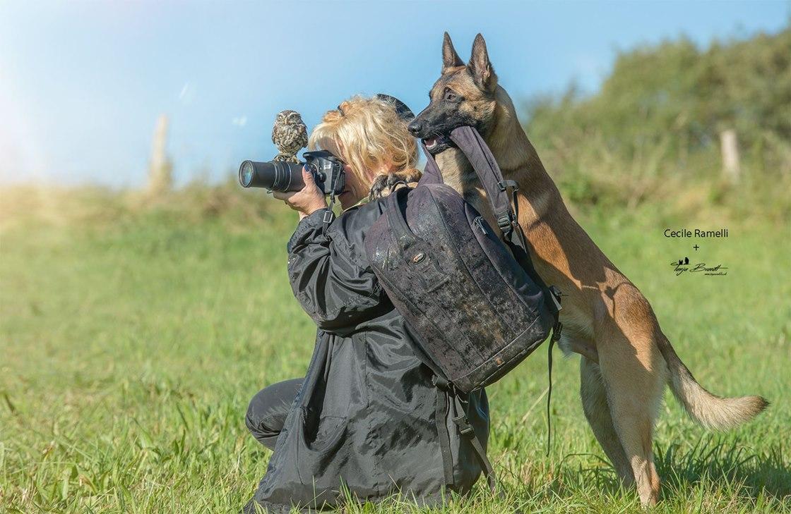 據說每天Tanja Brandt都會帶著自己的寵物犬和Poldi一起出去拍照...