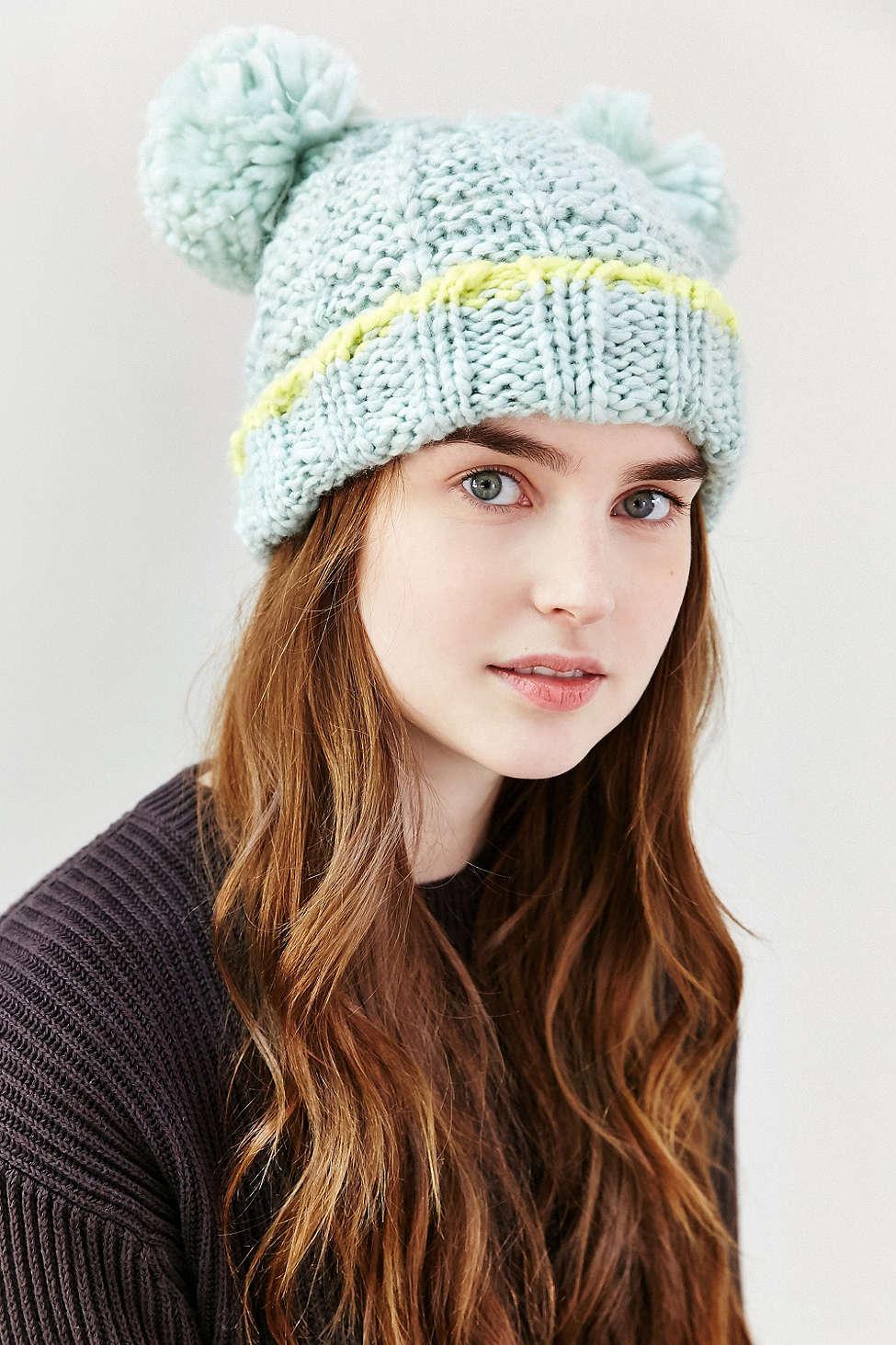 秋冬可愛毛帽已經推出了!今年的流行是在帽子上加上耳朵!