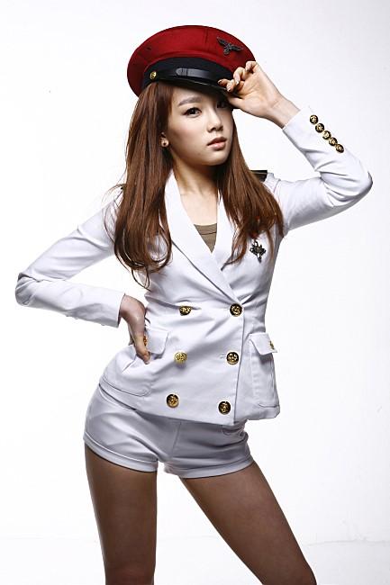 不要看太妍的身高只有 160 公分左右,但她的比例真的很好喔!