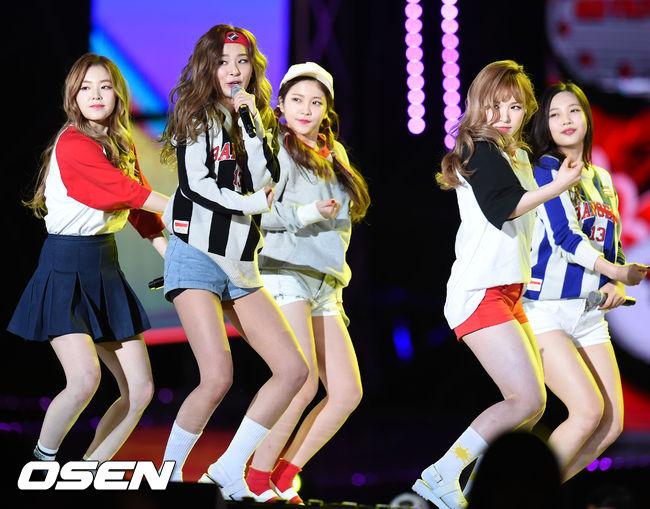 正是剛結束《Dumb Dumb》打歌期的Red Velvet