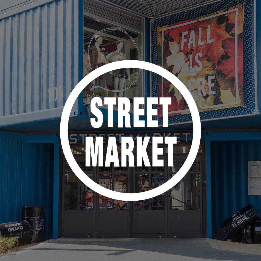 好奇內裝嗎? 那先讓我們到聚集了女性流行、生活服飾等品牌的street market裡去瞧一瞧