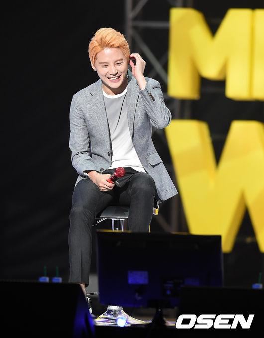 No.3 JYJ 俊秀  從2012年5月開始發表了3張正規專輯、2張迷你專輯和2張單曲,音樂劇演員方面也展現了票房的號召力。擁有充滿爆發力的歌唱力,感情表現也非常豐富。